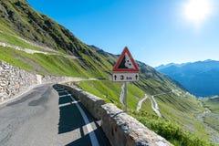 Tramonto sopra le alpi Passo Stelvio delle montagne Immagine Stock Libera da Diritti