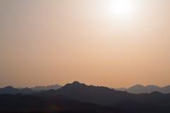 Tramonto sopra le colline Fotografia Stock Libera da Diritti