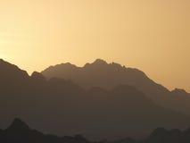 Tramonto sopra le montagne in penisola del Sinai Fotografie Stock Libere da Diritti