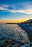 Tramonto sopra Nizza la linea costiera della Francia Fotografia Stock