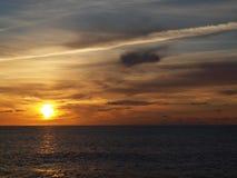 Tramonto sopra Pacifico fotografie stock libere da diritti