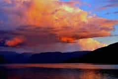 Tramonto sopra Sognefjord fotografie stock libere da diritti