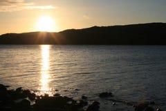 Tramonto sopra timore Lochawe, Scozia 2012 del lago Fotografie Stock Libere da Diritti
