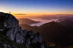 Tramonto sopra Velky Rozsutec, Mala Fatra, Slovacchia fotografia stock