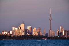 Tramonto su Toronto del centro Immagini Stock