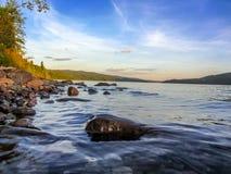 Tramonto su un lago canadese Fotografie Stock