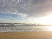 Tramonto su una spiaggia del †«Messico di Acapulco fotografie stock libere da diritti