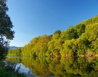 Tramonto sul fiume Immagine Stock