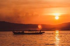 Tramonto sul fiume di Irrawaddy immagine stock