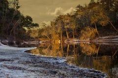 Tramonto sul fiume di Suwanee fotografie stock