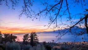 Tramonto sul Lago di加尔达 免版税库存图片