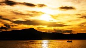 tramonto sul lago dorato Fotografia Stock