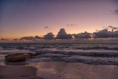Tramonto sul mare caraibico immagini stock