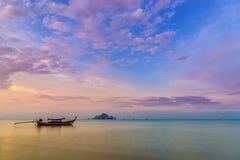 tramonto sul mare delle Andamane, provincia di Krabi, Tailandia Fotografia Stock