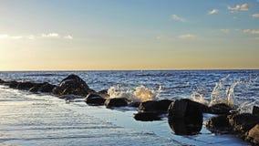 Tramonto sulla costa del Mar Baltico Immagini Stock Libere da Diritti