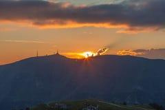 Tramonto sulla sommità della montagna di Visentin del passo Immagini Stock