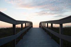 Tramonto sulla spiaggia Immagini Stock Libere da Diritti