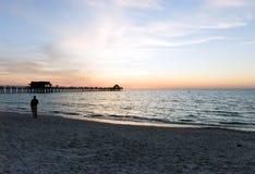 Tramonto sulla spiaggia nel sud-ovest Florida Fotografia Stock Libera da Diritti