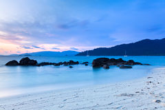 Tramonto sulla spiaggia, Tailandia Immagine Stock