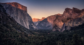 Tramonto sulla valle del Yosemite Immagine Stock