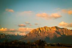 Tramonto sulle montagne Immagine Stock Libera da Diritti