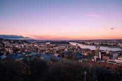 Tramonto superbo di Budapest con il cielo arancio immagine stock