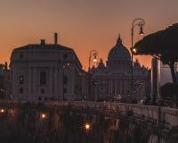 Tramonto uma praça san Pietro da SU da vista do engodo de roma foto de stock royalty free