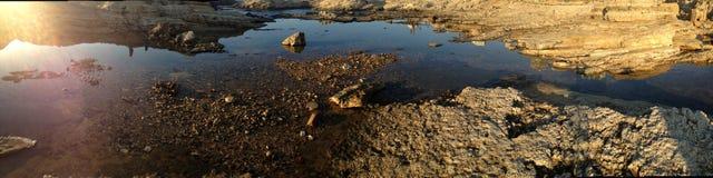 Tramonto variopinto sopra il paesaggio molle del mar Mediterraneo Fotografie Stock