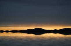 Tramonto vibrante di bella vista sul mare del paesaggio Fotografia Stock Libera da Diritti
