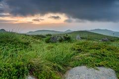 Tramonto vicino al picco nero /Cherni vrah/sulla montagna di Vitosha, Bulgaria Fotografie Stock