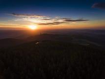 Tramonto Vista aerea dell'ora legale in montagne vicino a Czarna Fotografie Stock Libere da Diritti