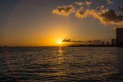 Tramonto in Waikiki, Oahu, Hawai Fotografia Stock Libera da Diritti