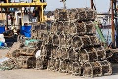Trampas de los cangrejos en puerto Imagen de archivo