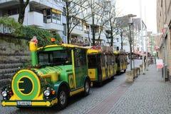 Trampoline dzieci ` s wakacje na ulicach zdjęcie stock