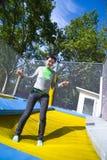 trampolinekvinna arkivfoto