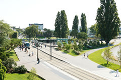 Tramspoor op vierkante Elisa Mercoeur in Nantes, Frankrijk Stock Foto