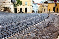 Tramsporen in LISSABON, de sporen van een detailmetaal voor de tram Stock Afbeeldingen