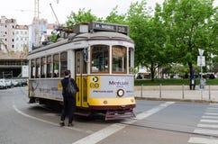Tramwaj linia 28 turystyczna linia w Lisbon Fotografia Royalty Free