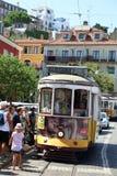 Tramwaj linia 28 w Lisbon Portugalia Zdjęcia Stock