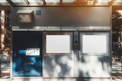 Tramwaj stacja outdoors lub przystanek autobusowy zdjęcia stock