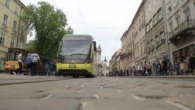 Tramwaj w centrum Lviv miasto zbiory wideo