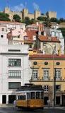 tramwajowy Lisbon grodowy kolor żółty Obrazy Stock