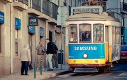 tramwajowy Lisbon kolor żółty Zdjęcie Stock