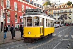 tramwajowy Lisbon kolor żółty Fotografia Stock