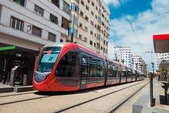 Tramwajowy omijanie na kolei Casablanca, Moro w słonecznym dniu - Obrazy Stock
