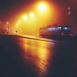 Tramwaju autobus przy nocą Obrazy Royalty Free