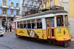 Tramway jaune de Lisbonne Photographie stock