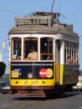 Tramways traditionnels Lisbonne du centre Photos libres de droits