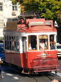 Tramways traditionnels Lisbonne du centre Image stock