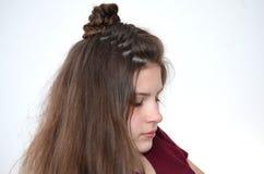 Trança francesa a céu aberto, penteado com comprimento longo do cabelo fotos de stock